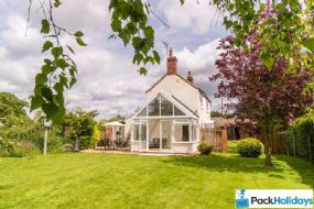 Dog Friendly Cottages Sea Palling | Pack Holidays Norfolk Multi dogs Here